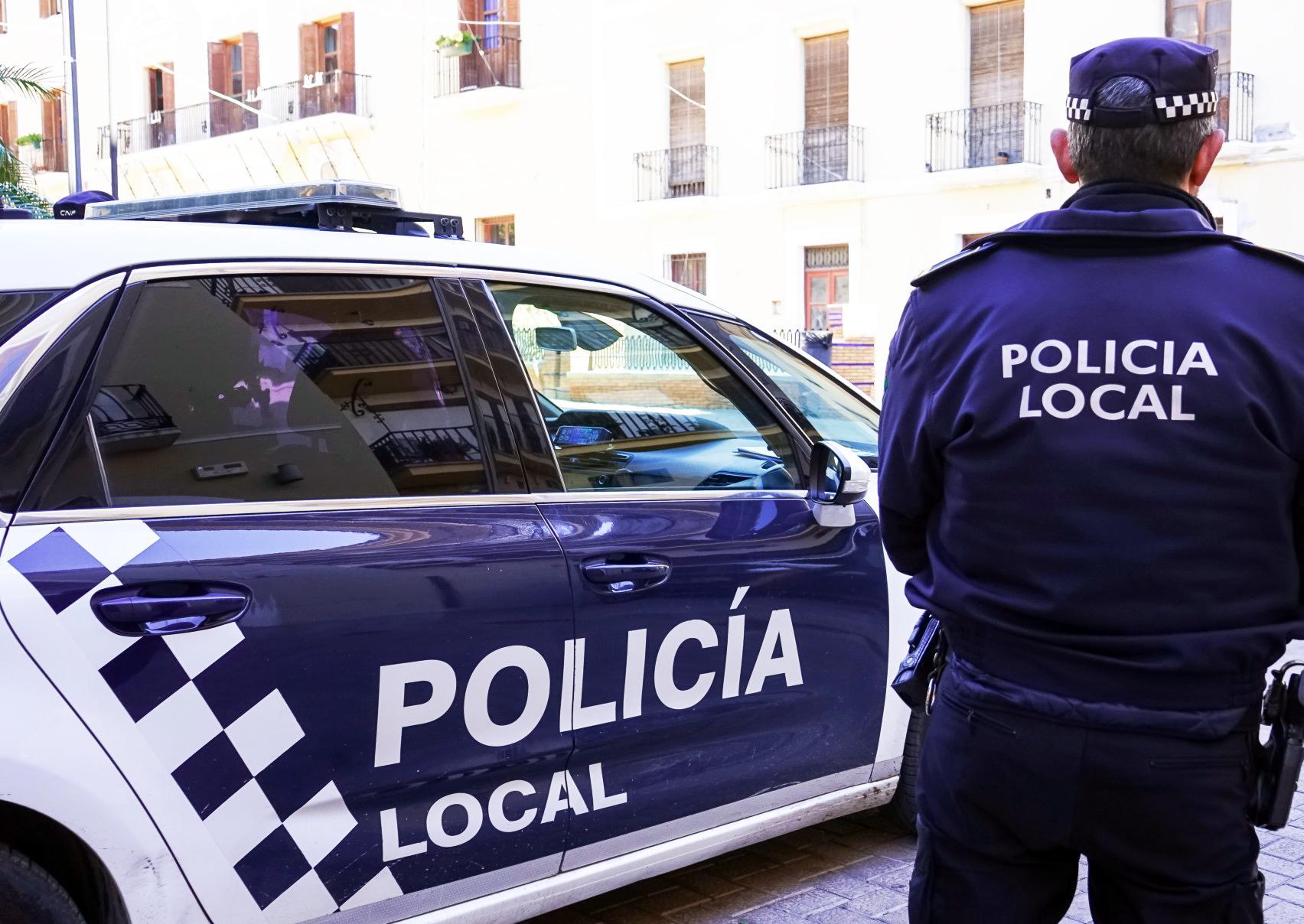 Bases de cuatro plazas de Policía Local en el Ayuntamiento de Motril